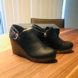 Dr. Scholl's Wynter Wedge Booties